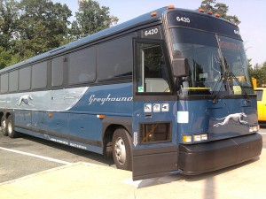 800px-Greyhound_bus_on_the_way_to_Washington-2