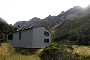 New Zealand: Crow Hut