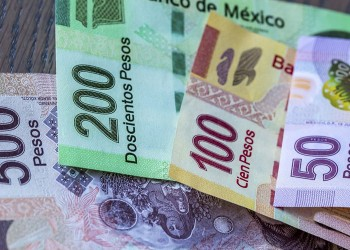 The Mexican Peso Currency Exchange Rate Over The Last Year - Featured Image