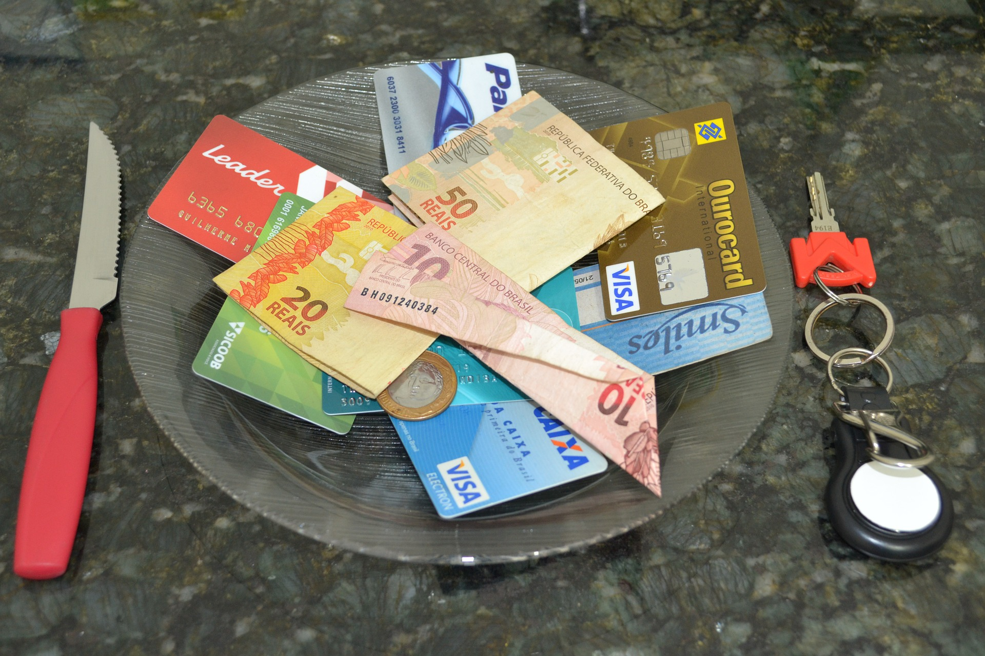 Do multi-currency prepaid cards make sense if you want to travel during your gap year?