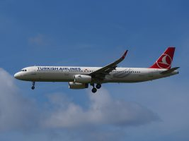 tc-jsi_airbus_a321-231_turkish_airlines_landing_at_schiphol_ams_-_eham_the_netherlands