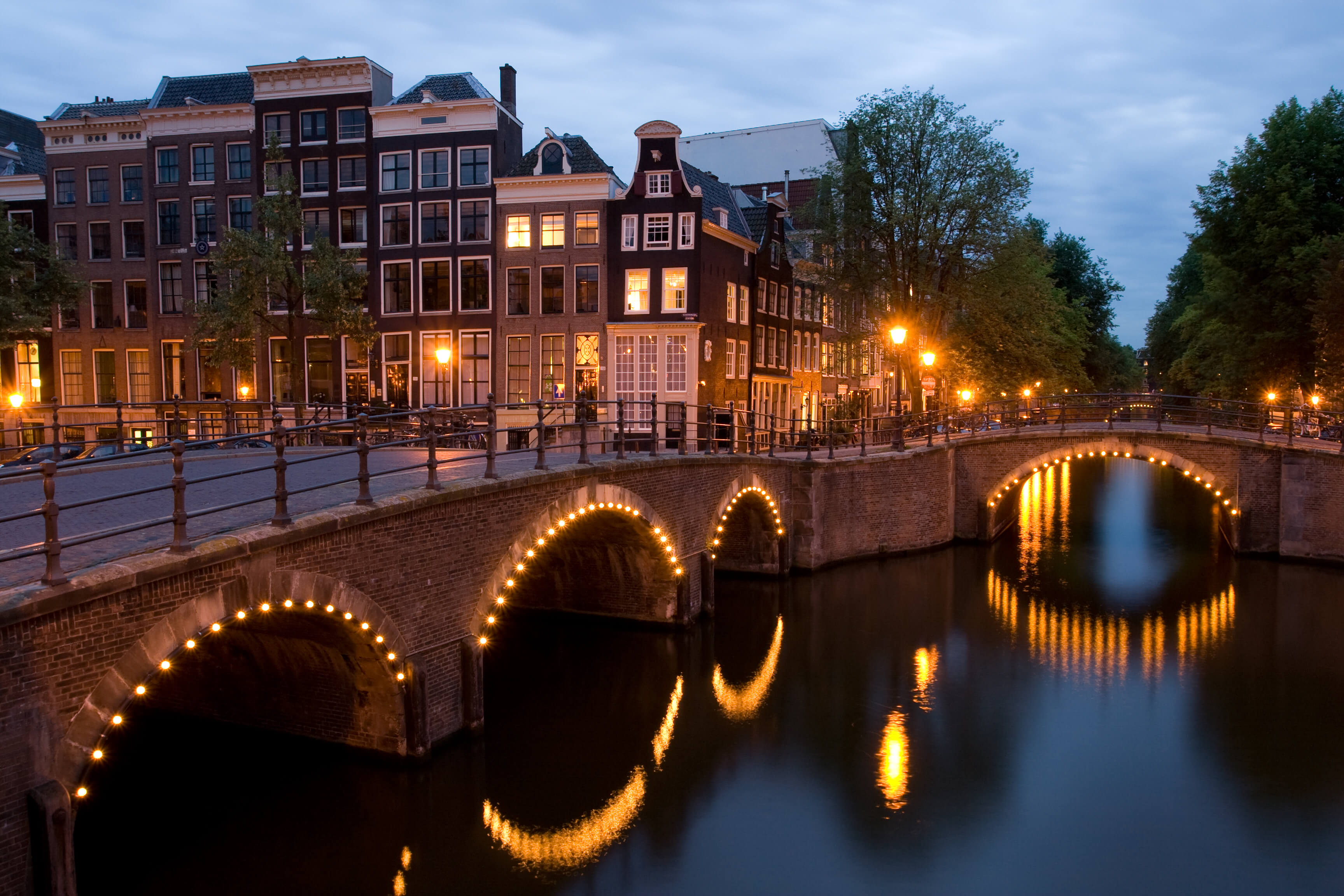 4 Money Saving Tips for Your Trip to Amsterdam.