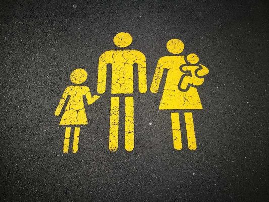 how-to-help-your-family-settle-in-to-life-in-new-zealand-family parked image